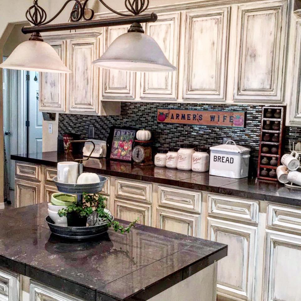 Dixie Kitchen: Dixie Belle Paint